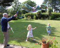 R and J chasing Bubbles